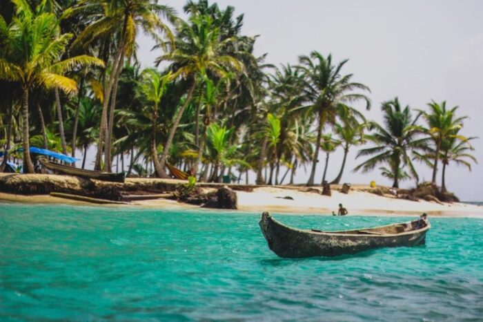 Small canoe in the small island of San Blas. Panama. Fifteen Reasons to Travel Central America